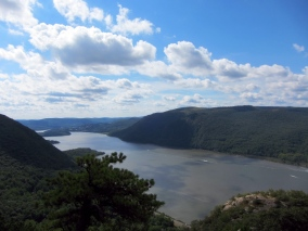View from Breakneck Ridge, looking south